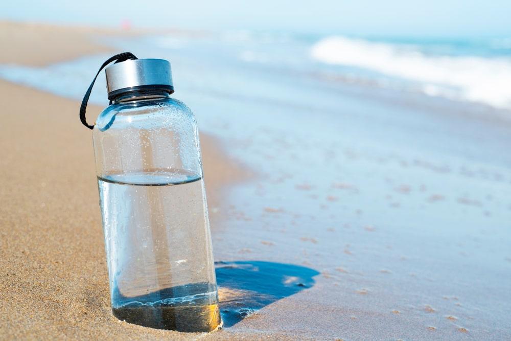 Szklane butelki wielorazowe – zalety rozwiazania